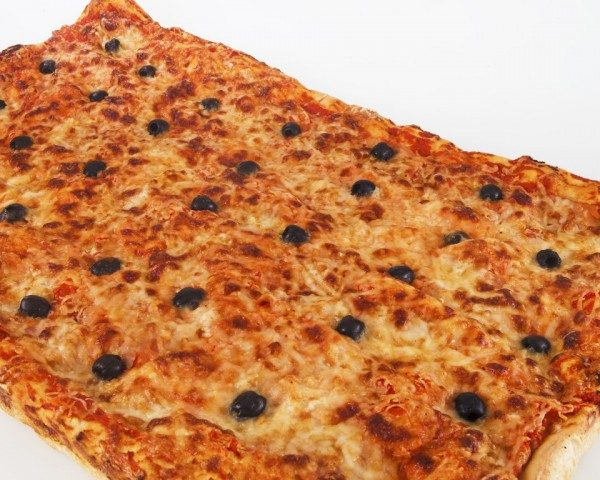 pizza rossa olive